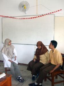 Suasana belajar jurnalistik di dalam kelas