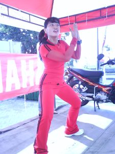 Aidah menjadi instruktur dalam tur gathering Yamaha Yes