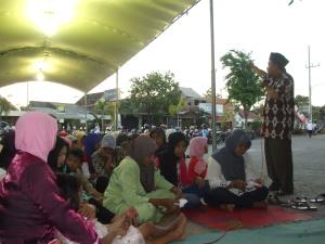 Ustad Izzat Abidy memberikan ceramah hingga menjelang maqrib